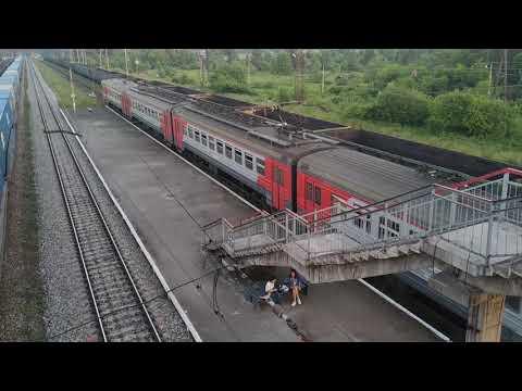Поезда. Отправление электрички со станции Сан-Донато в сторону Нижнего Тагила