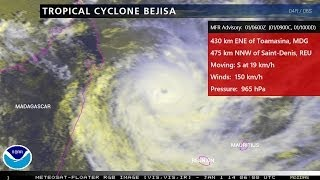 Tropical Cyclone Bejisa completing its eyewall replacement, poised to strike Réunion