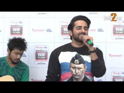 Ayushmann Khurrana Singing YAHIN HOON MAIN | Live Performance