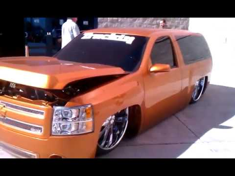 Sema show ekstensive metal works on 28s by red teal