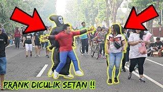 PRANK DICULIK SETAN, SEMUA PADA TAKUT !! LUCU PARAH !!! - PRANK INDONESIA