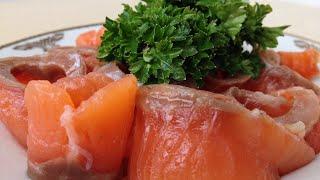 Как Солить Красную Рыбу (Очень Быстро и Просто) How to Salt Salmon(Как Солить Красную Рыбу. Этот способ займет у вас 2 минуты Радуйте своих любимых и близких. Приятного аппет..., 2014-11-28T18:24:02.000Z)