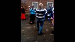 Русские зажигают на цыганской свадьбе