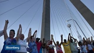 Photos: 10,000 Join Hands in 'Unity Chain' in Charleston