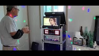 간편하게 사용할 수 있는 가정용 금영 이동식 노래방기계…