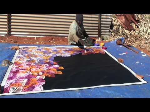 Aboriginal Artist Emily Pwerle 0730