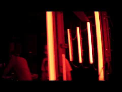 JDH vs DAVE P - VROOOM - LIVE @ TIJUANA, MEXICO 11.26.09