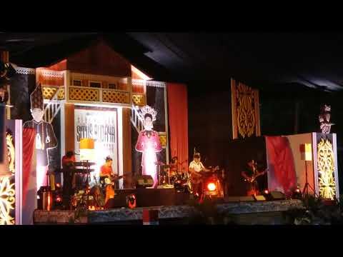 Iwan Fals - Ibu•Kebaya Merah (Konser Situs Budaya : Sulut - Minahasa)