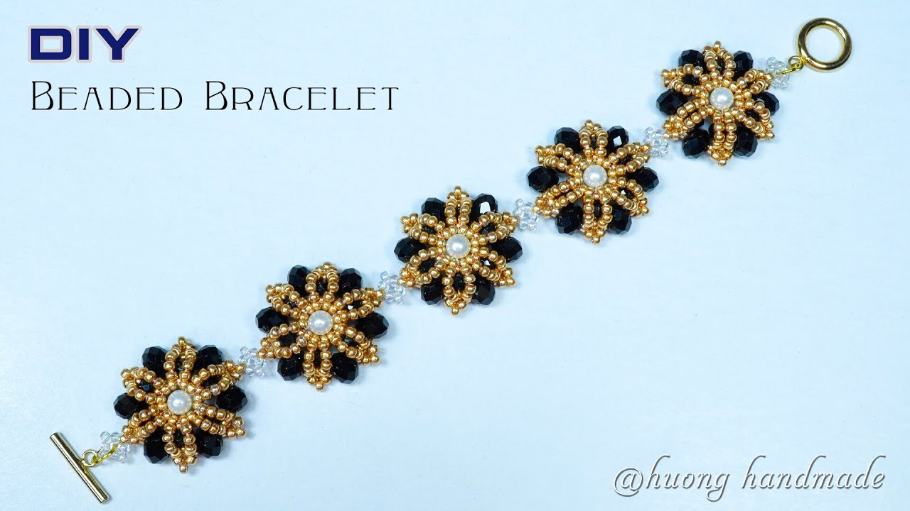 Flower jewelry tutorial. DIY flower beaded bracelet