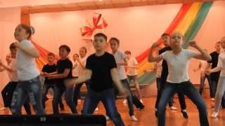 """танец """"До Ре Ми"""" от 4Б"""