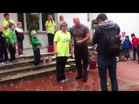 Raimonds Bergmanis pieņem izaicinājumu ALS Ice Bucket Challenge