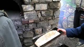 Ζύμωμα- ψήσιμο ψωμιού και σπορά καλοκαιρινών φυτών στην ΠερΚα