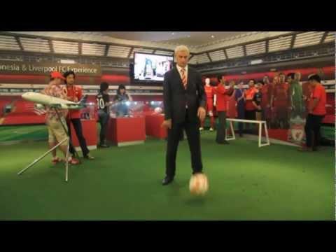 Ian Rush does the LFC Harlem Shake