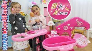 Casita de los Bebés de Baby Nurse! Andrea e Irene en SUPERDivertilandia. thumbnail