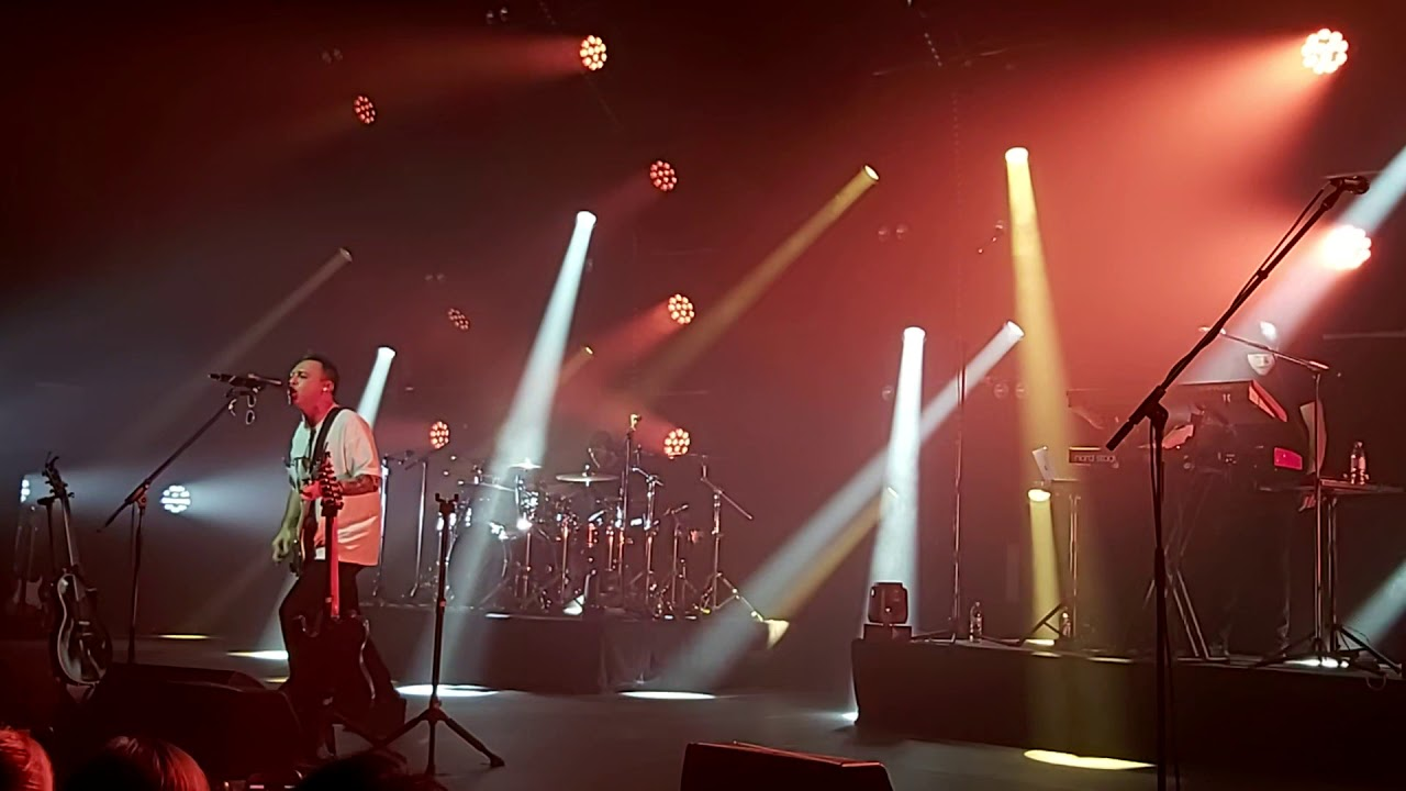 Звери - Брюнетки и блондинки (live в Нижнем Новгороде, 02.03.2020)