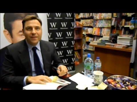 David Walliams | Yeovil Book Signing 1/12/12 - Waterstones