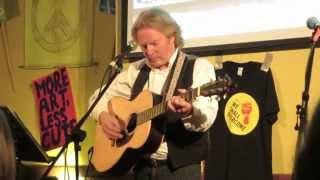 Reg Meuross : Faraway People (live)