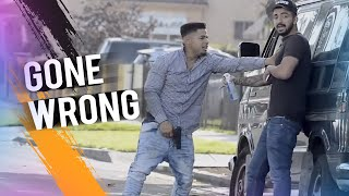 SPRAY PAINTING PEOPLES CARS IN THE HOOD PRANK! *GONE WRONG*