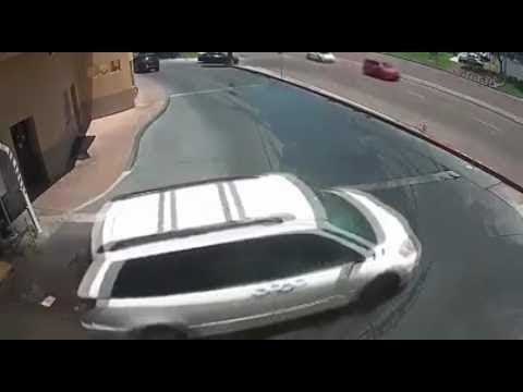 超級三寶駕車,沖洗完車身又可以沖車底了~