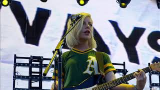 Alvvays -  Dreams Tonite [first live performance]