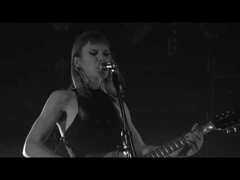 TRIXIE WHITLEY - Salt // LIVE @ Radio 1 Sessies