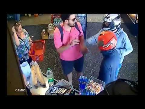 Un joven le rogó a los asaltantes que le devolvieran la billetera