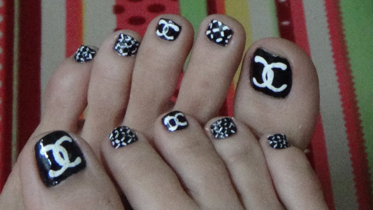 Easy & Cute Chanel\'s Logo For Toe Nails - YouTube