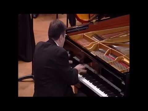 Aleksandar Serdar plays Beethoven Piano Concerto No. 5