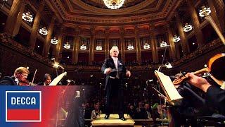 Jiří Bělohlávek and the Czech Philharmonic: Dvořák Symphony No.5 - IV. Allegro molto