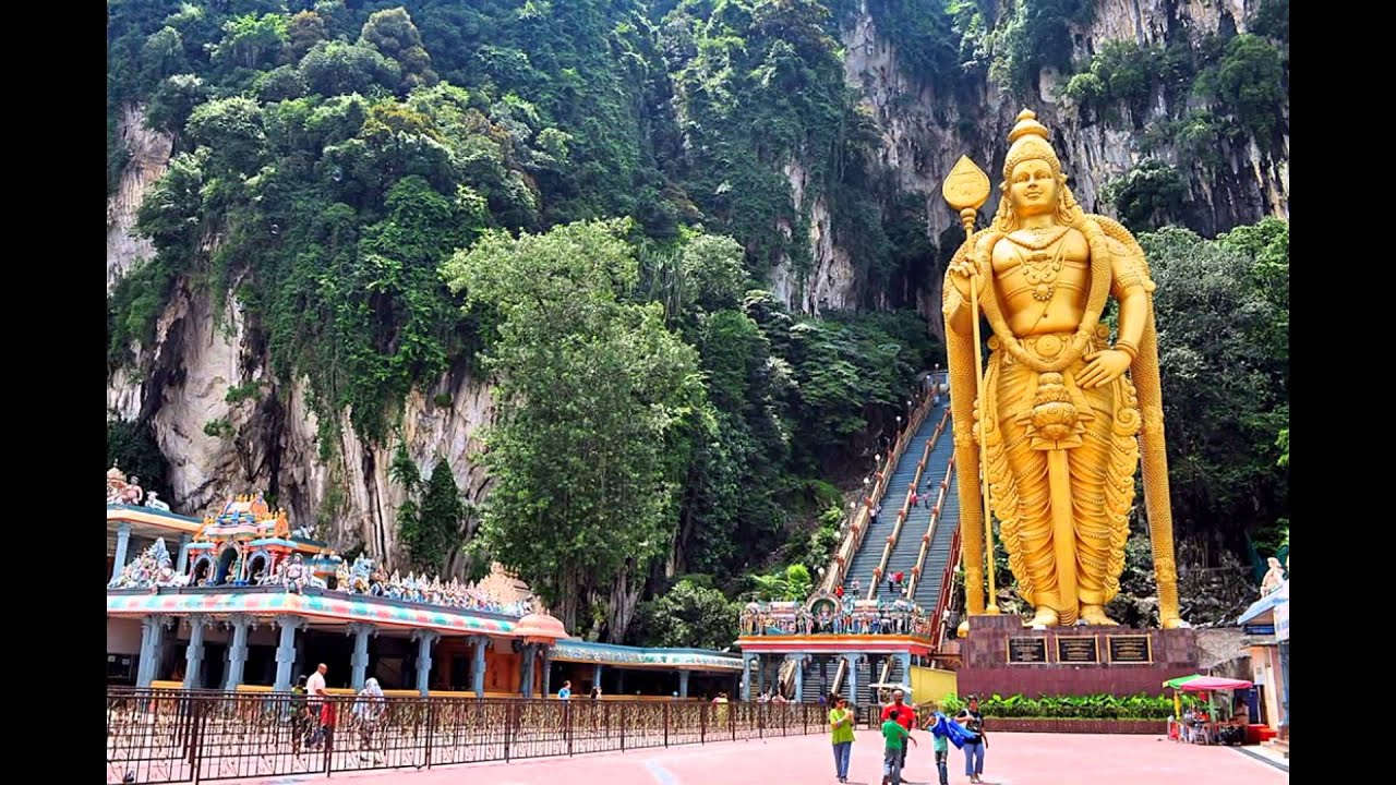 describe a tourist attraction in malaysia Start discovering malaysia, truly asia plan your next holiday whether for business or leisure, from night life to jungle adventures, welcome and experience the best asia has to.