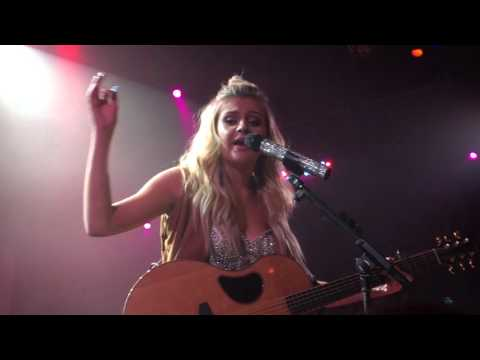 Underage [Kelsea Ballerini Live @ The Troubadour]
