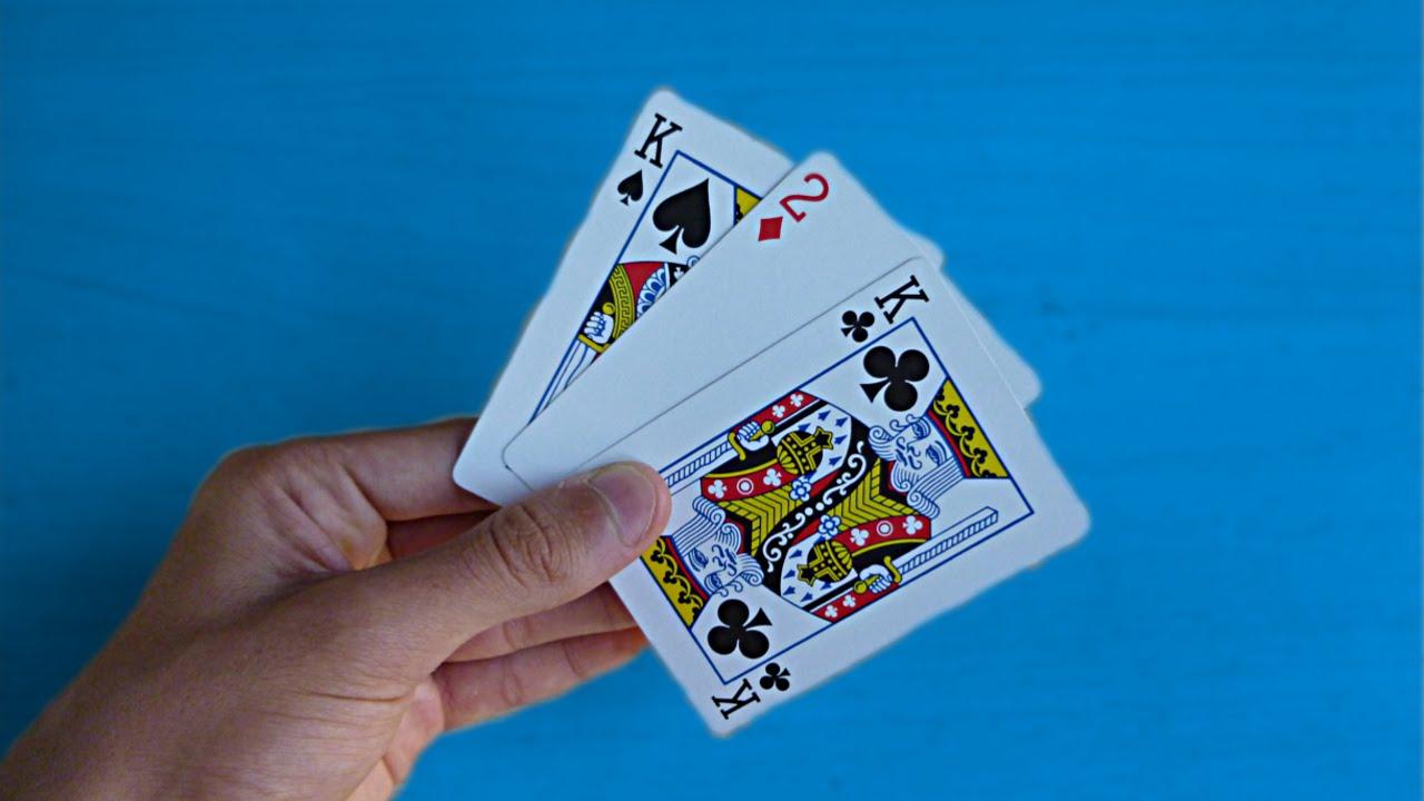 tour de magie carte 3 rois