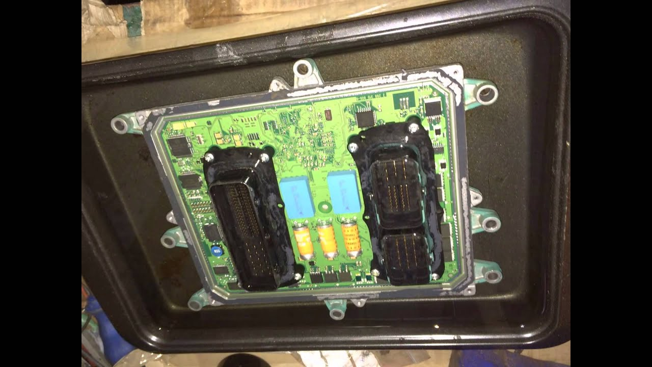 Coastalrides recover a water damaged Volvo Penta D6 ECU, VODIA test, from sinking boat, - YouTube