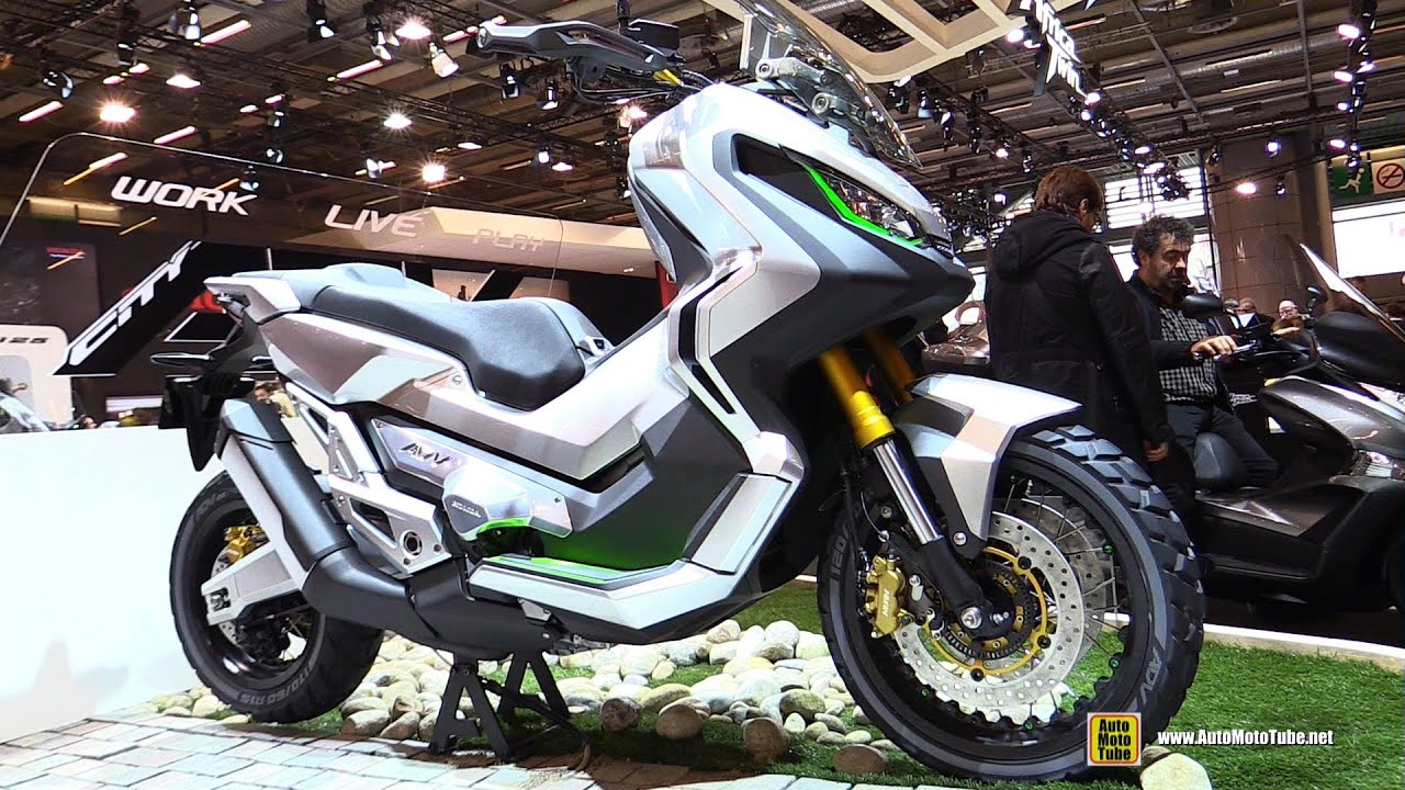 Honda ADV Concept Scooter - Walkaround - 2015 Salon de la ...