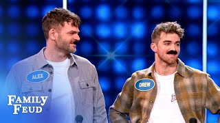 Steve Harvey meets The Chainsmokers and 5SOS Celebrity Family Feud