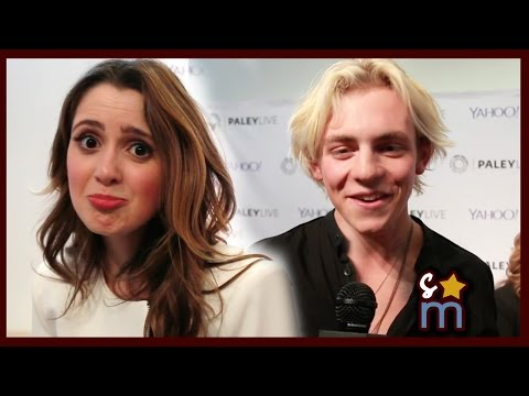AUSTIN & ALLY Cast Sings Theme Song