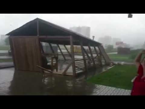 Во время урагана в Челнах развалилось кафе