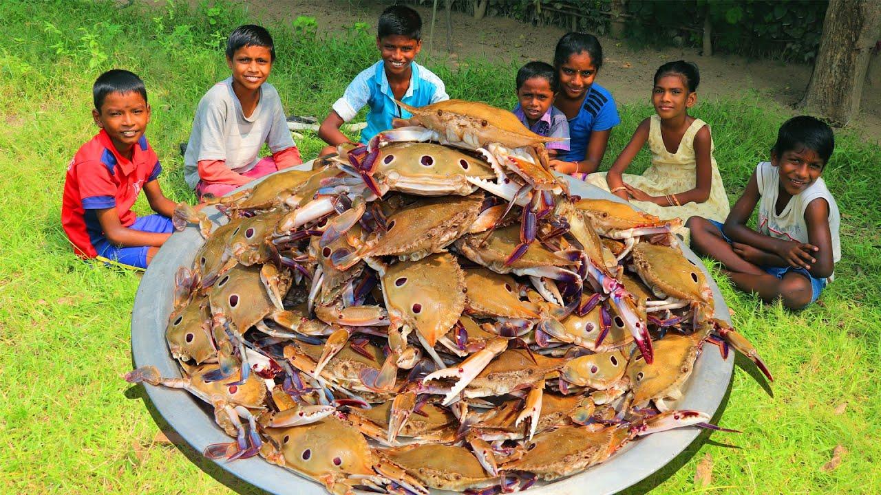 CRAB CURRY RECIPE | Nandu Kulambu Cooking and Eating in Village | Village Fun Cooking