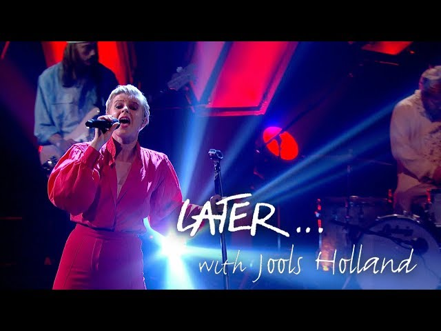 Robyn returns with Missing U on Later… with Jools Holland