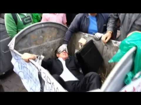Ukrainian Politician Thrown into Trash: Pro-Yanukovych MP manhandled outside parliament