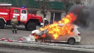 Машина горит