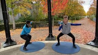 5_Waterbottle Workout_Wide squat & single shoulder press