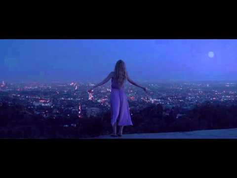 The Neon Demon : Official Movie Trailer