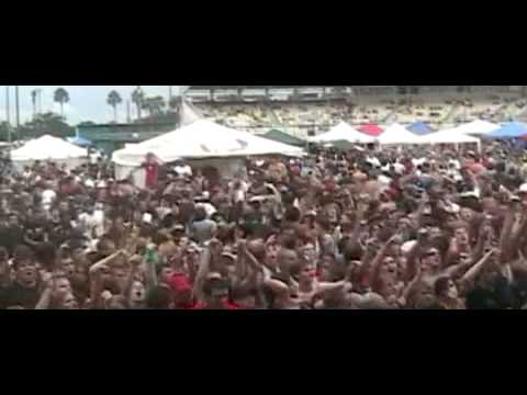 Atreyu Warped Tour 2005 - You Give Love A Bad Name