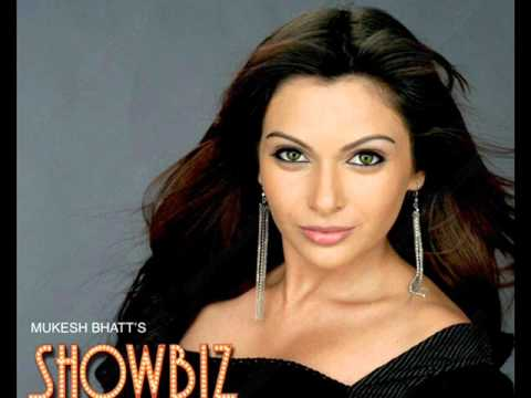 Duniya Ne Dil Tode. From Showbiz (2007)