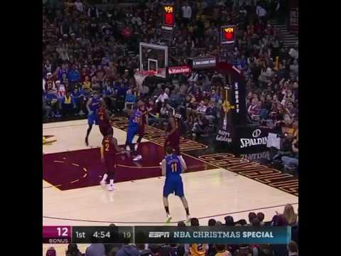Kevin Durant dunks on Kevin Love