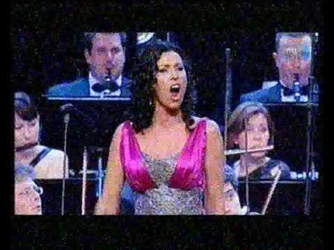Erika Miklósa Sylvia The Czardas Queen Sung in Hungarian