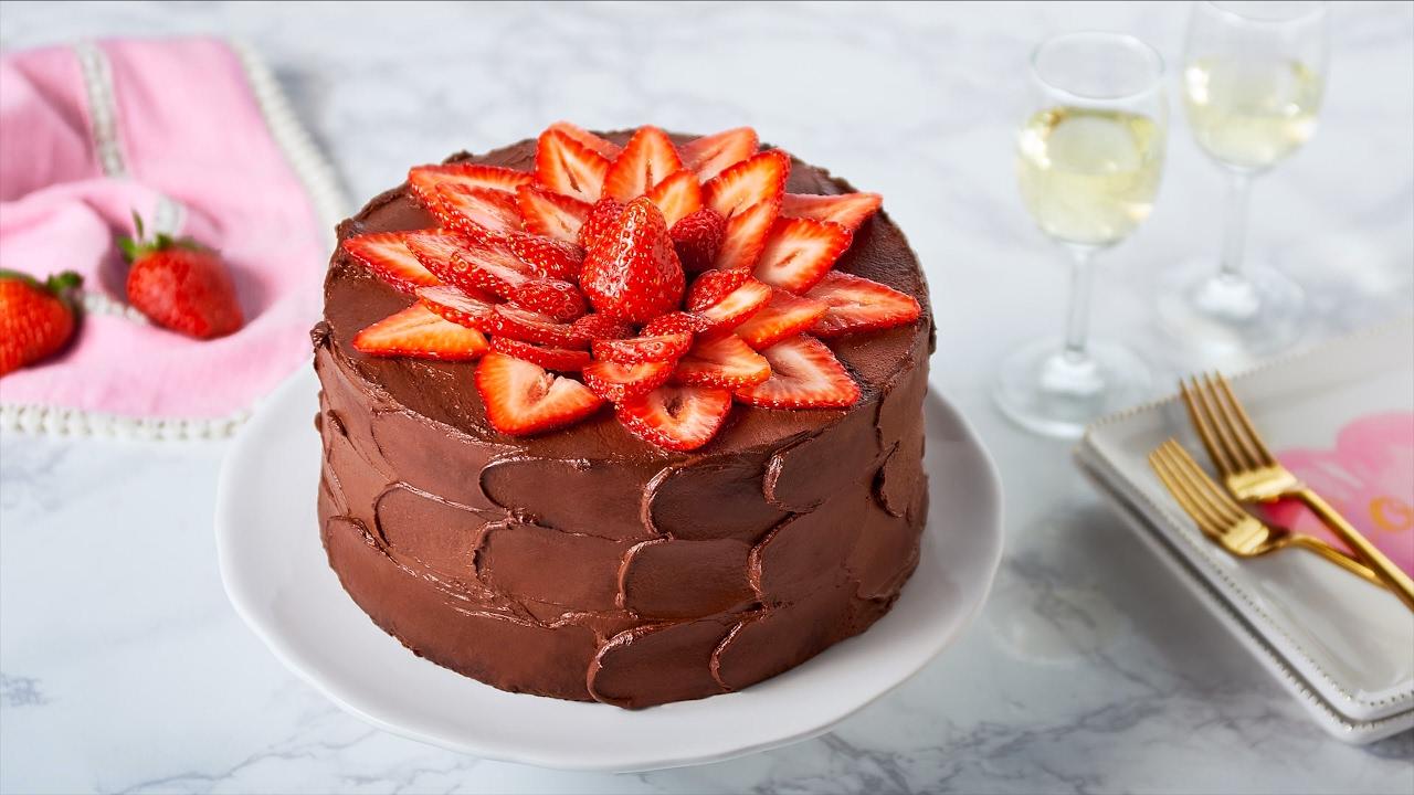 Pastel De Chocolate Y Fresas Youtube