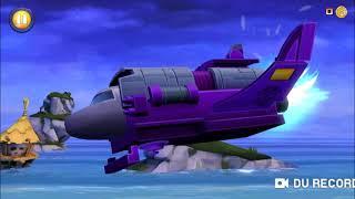 In questo episodio giochiamo un gioco che si chiama Angry Birds Transformers