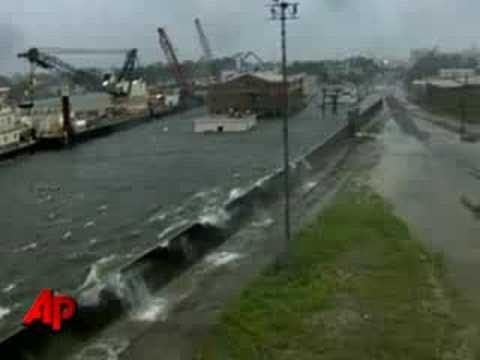Raw Video: Floodwaters Overtop New Orleans Levee